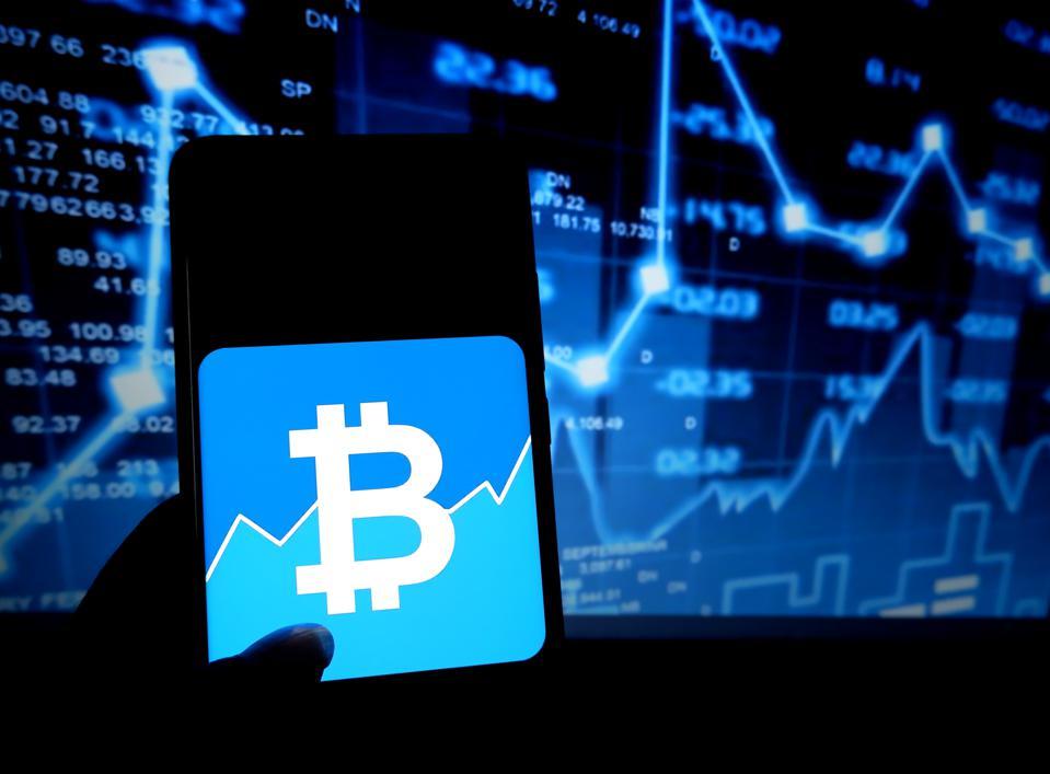 Kas būtu noticis, ja Jūs 5 gadus atpakaļ investētu $1000 šādās akcijās vai kriptovalūtās